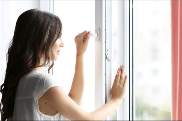 Guest Post by Kiara Fullham: On A Hot Day, Should You Keep Your Windows Open Or Closed?