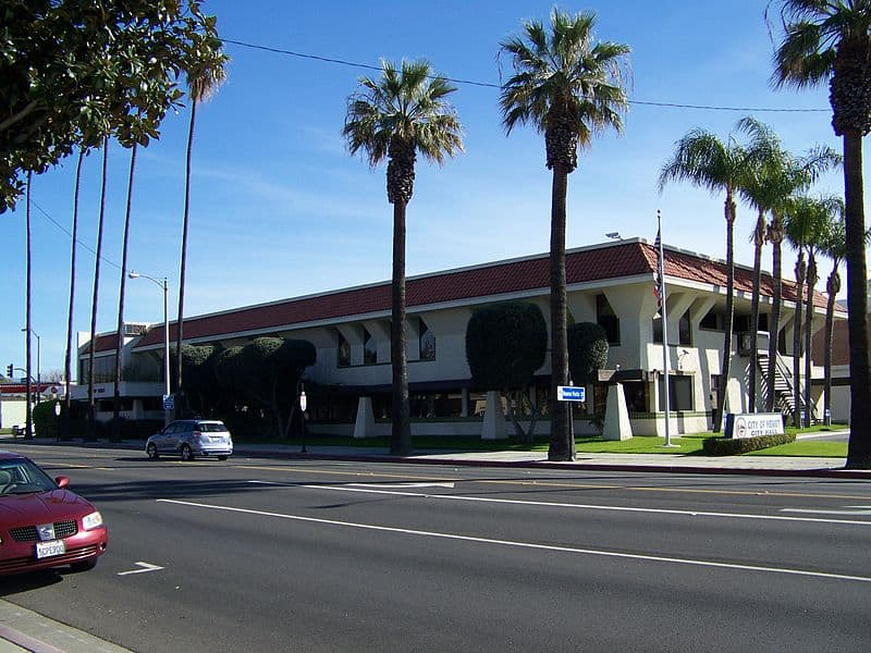 Hemet City Hall | Wikimedia Commons:Jstroudr